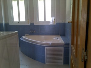 Bath from main room (2)
